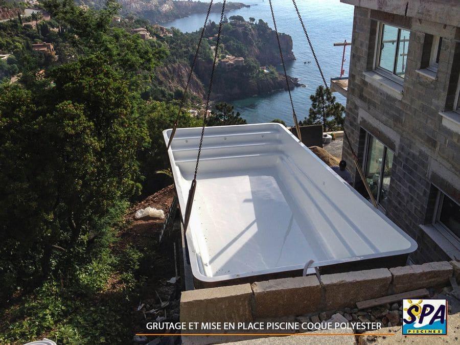 votre projet de piscine coque polyester. Black Bedroom Furniture Sets. Home Design Ideas