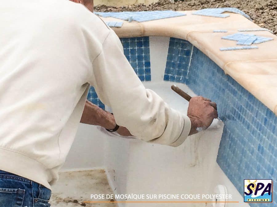 installation d 39 une piscine coque polyester en 15 tapes. Black Bedroom Furniture Sets. Home Design Ideas