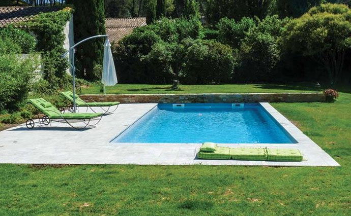 R novation de piscine en polyester liner et b ton spa for Renovation liner piscine