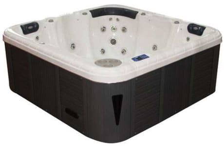 Spa piscines piscine coque polyester nouvelle piscine for Coque jacuzzi polyester