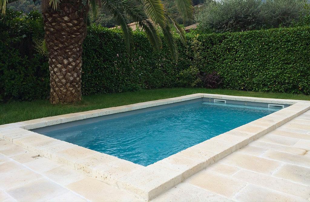Margelles piscine coque polyester pour votre piscine nice 06 for Entretien piscine nice