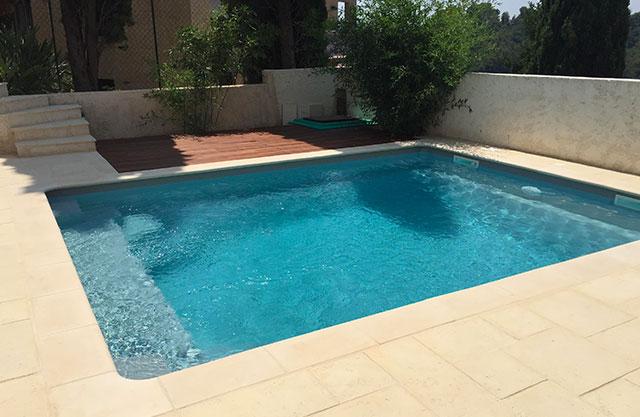 Margelles piscine coque polyester pour votre piscine nice 06 for Piscine coque polyester pid