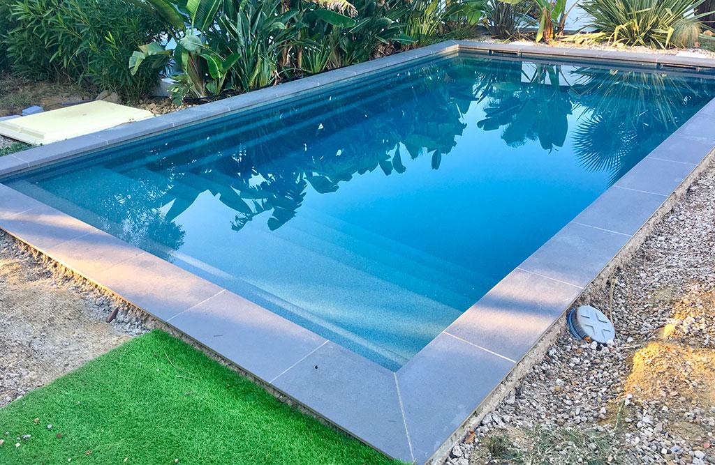 Margelles piscine coque polyester pour votre piscine Nice 06