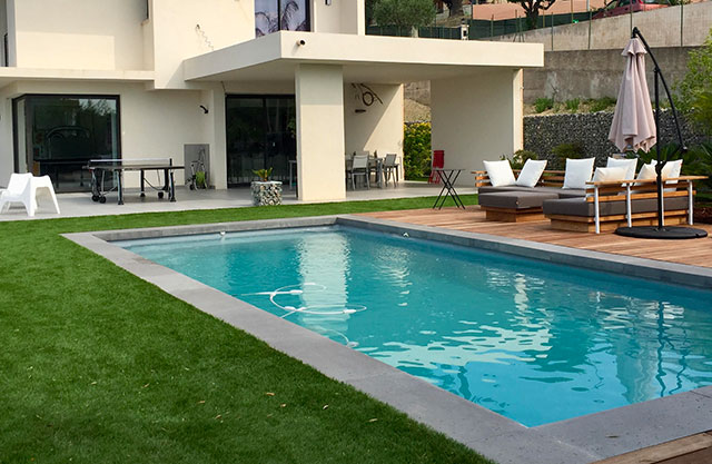 margelles piscine coque polyester pour votre piscine nice 06. Black Bedroom Furniture Sets. Home Design Ideas