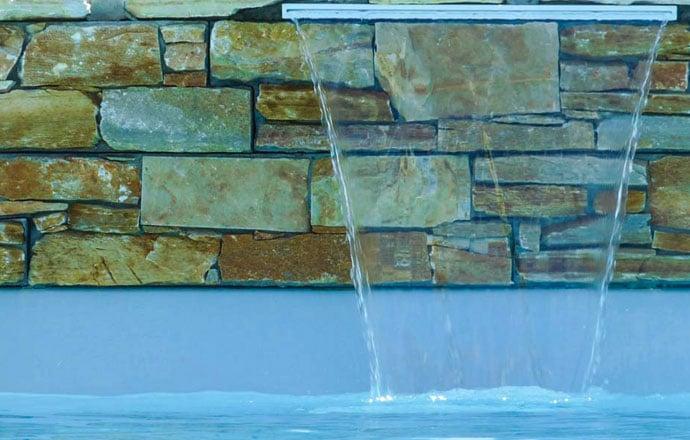 produits d'entretien pour votre piscine coque polyester