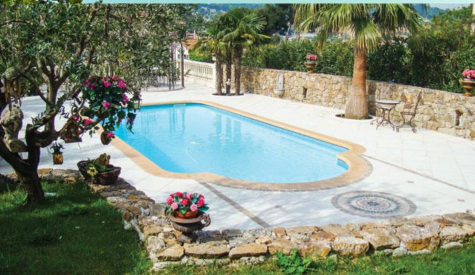 piscine-coque-polyester-nice-3